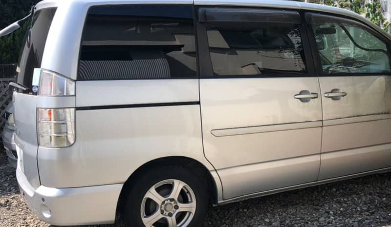 甲府市のお客様から廃車買取したトヨタ ヴォクシー